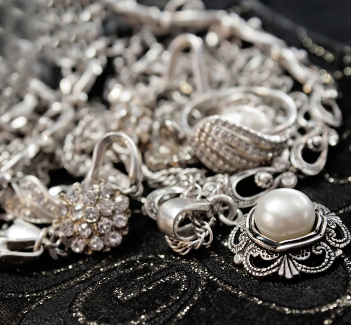 Limpando a prata com a bendita